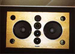 写真-6 モニタースピーカ(dynaaudio acoustics M4 カスタム)