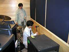 ハンマー加振によるスタジオ各部から上階への寄与度測定