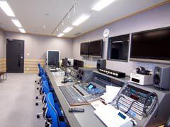 写真3 副調整室
