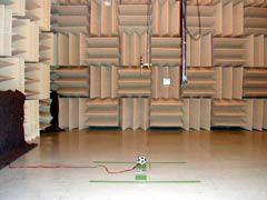 【写真-17】 模型用12面体スピーカとマイクロホン移動装置