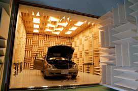 図2. 完成車が設置できる無響室
