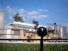 写真5 工場から少し離れた地点でのノイズビジョン測定