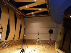 写真22-2 スタジオ4(残響時間測定)