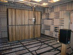 写真2 無響室実験の様子(AGS)