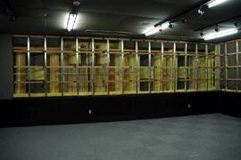 写真4 副調整室Aの室内音響デザイン
