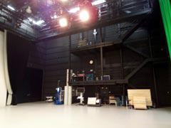 写真9 テレビスタジオ1ライティングデッキ完成写真
