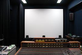 写真16 東棟 映画学科 映画ダビングスタジオ