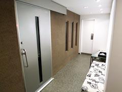 写真11 Studio前廊下