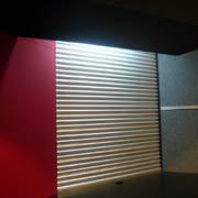 コーナー部のアルミパンチング波板