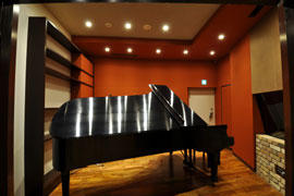 Studio-A Piano Booth