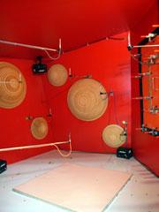 写真1 弊社小型残響室