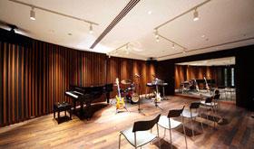 11階 「ヤマハミュージックアベニュー銀座」(音楽教室)のレッスン室