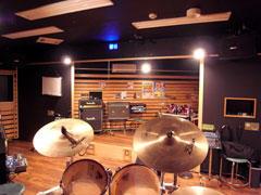 304 Studio(反射壁面の多い室)