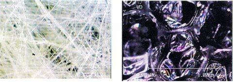 繊維系材料(左)とフォーム系材料(右)