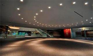 写真2 エントランスホール