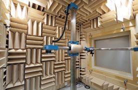 小型実験室(半無響室)
